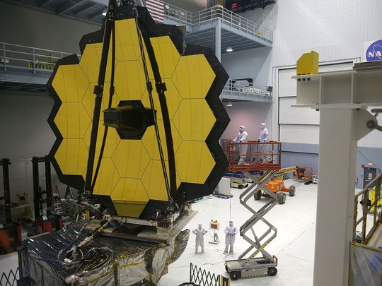 Engineers and technicians assemble the James Webb Space Telescope on Nov. 2, 2016 at NASA's Goddard Space Flight Center in Greenbelt, Md. It is scheduled to be launched in October 2018. (Alex Wong/Getty Images)