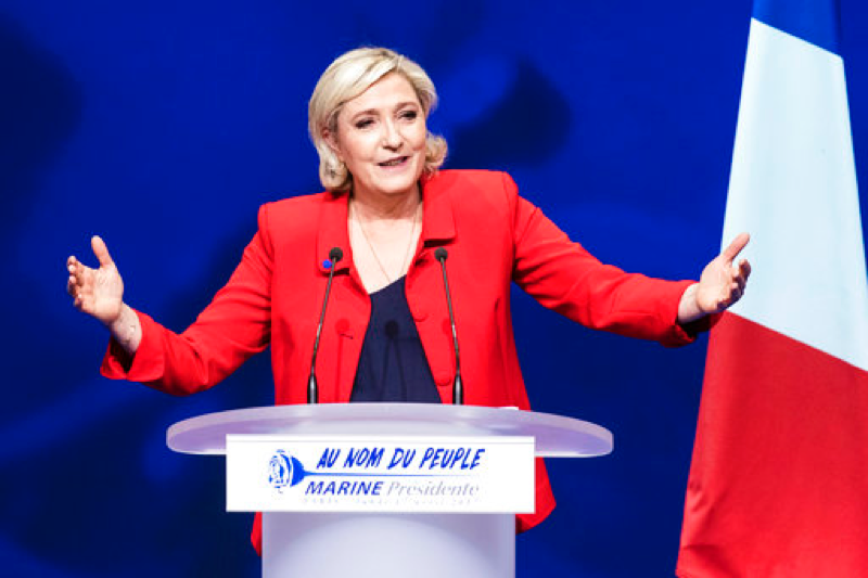 Centrist and Far-Right Candidates Win First Round of French Presidential Election