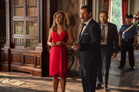 Jennifer Aniston stars as Audrey Splits with Adam Sandler as Nick Splitz in Murder Mystery, the People's Choice Comedy Movie Award. Along with this award, Aniston won the People's Icon award. (Scott Yamano/NETFLIX)