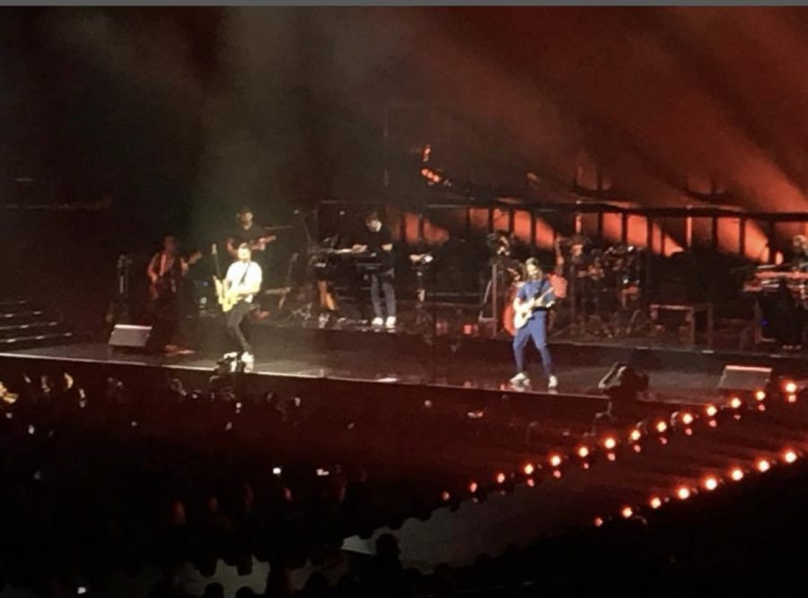 Maroon 5 performing for a sold-out stadium in Saint Paul, Minnesota on their Red Pills Blues Tour on September 18th, 2018. All tickets for the 2020 Tour are now available. (Maroon 5)