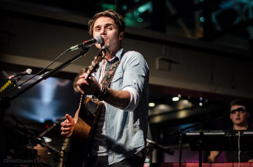 Kris Allen performs at Soles for Souls in Nashville, TN. Allen is scheduled to perform at Hershey's New Years Celebration on December 31, 2017. (Olivia Kitunen/ CC BY-NC-ND 2.0)