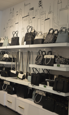 Kate Spade New York Opens At Tanger Outlets The Broadcaster