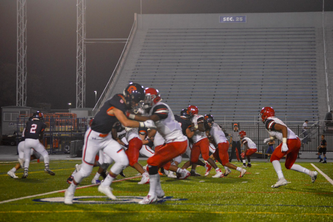 Hershey attempts a running play against Susquehanna at HersheyPark Stadium on September 21, 2018. Hershey only had 36 yards of total offense. (Broadcaster/Abigail Rogers)