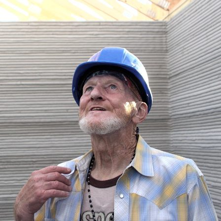 Homeless man becomes first inhabitant of 3D printed house
