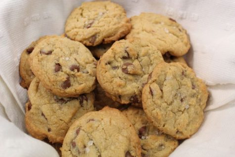 Finished cookies in a basket wrapped in a cloth. Make sure to cover cookies so they do not harden, but if they do, add a slice of bread to add moisture back to the cookies. (Broadcaster/Lauren Cribbs)