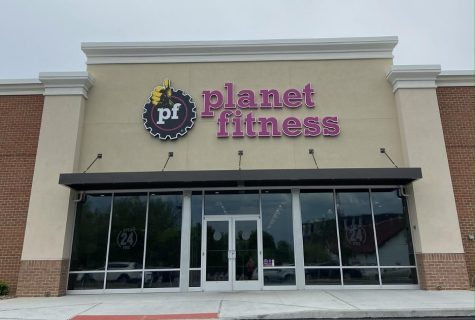 """Planet Fitness is open 24 hours Monday - Thursday and 7AM - 7PM on Fridays, Saturdays, and Sundays. This facility is publicly known to be a """"judgment free zone."""" (Broadcaster/Brooke Preputnick)"""